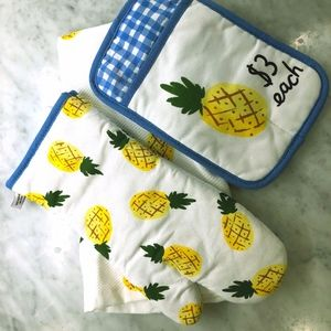 NWOT Kate Spade 3 Piece Pineapple Kitchen Set